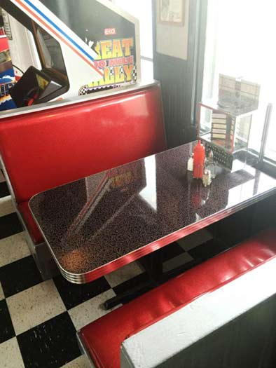 Skinner's Lockport restaurant booth
